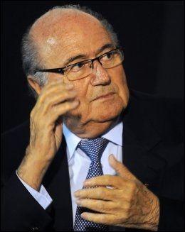 IKKE NOE VALG: FIFA-president Sepp Blatter mener fotballen må innføre mållinjeteknologi. Foto: Miguel Rojo, AFP