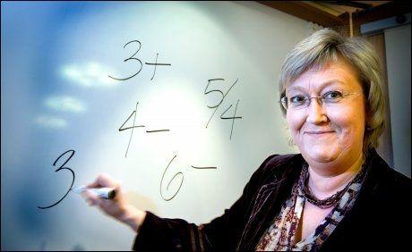 OPPGITT: Høyres Elisabeth Aspaker mener kunnskapsminister Kristin Halvorsen ikke har fulgt med i timen når hun anklager Høyre for å ha privatisert store deler av Skole-Norge. Foto: Jan Petter Lynau