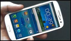 Samsungs Galaxy S III var en av telefonene vi brukte i testen. Selv om fjernkontrollen på HF3 ikke støtter Android-telefoner påvirkes ikke lyden. (Foto: Finn Jarle Kvalheim, Amobil.no)