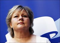 Erna Solberg tjener mest av partilederne