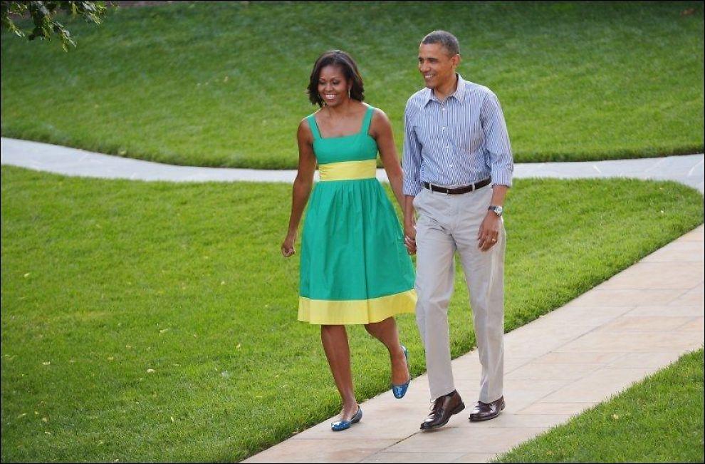 LIGGER GODT AN: President Barack Obama og hans kone Michelle Obama var vertskap for medlemmer av Kongressen under en picnic på plenen til Det hvite hus onsdag. Foto: Larry Downing, Reuters, NTB Scanpix