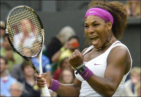 SEMIFINALEKLAR: Serena Williams er klar for semifinalen i Wimbledon etter at hun slo ut tittelforsvarer Petra Kvitova. Foto: Reuters