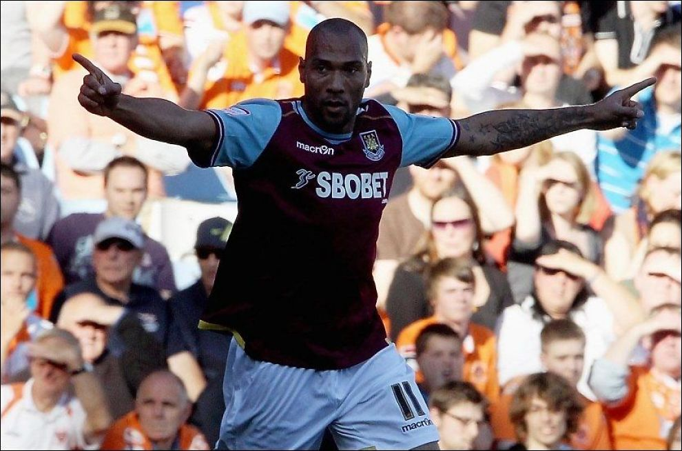 NOE Å JUBLE FOR: John Carew jubler for en scoring for West Ham mot Blackpool i oktober i fjor. Foto: Pa Photos