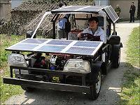 19-åring snekret sin egen solcellebil