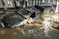 Vannmagasin åpnet seg - 150 døde i flom i Russland