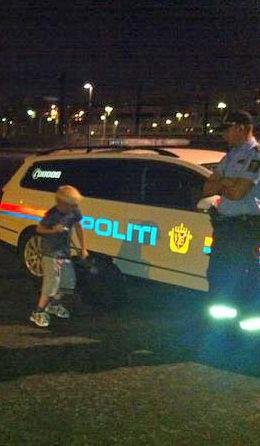 FIKK HJELP: Andreas (7) kom seg til Tyrkia med moren med politiets hjelp. Foto: Privat