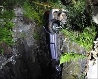 Sverige: 65-åring kjørte ut fra seks meter høy klippe
