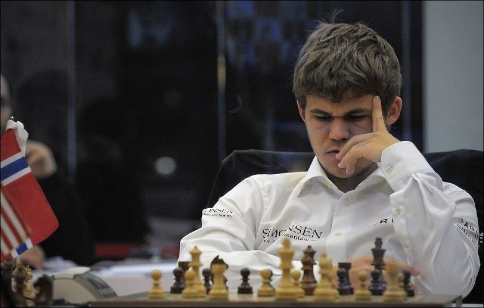 TUNG DAG: Magnus Carlsen rotet bort en klar ledelse i hurtigsjakk-VM. Her er han avbildet i Bilbao i november i fjor. Foto: Arkivfoto: AP