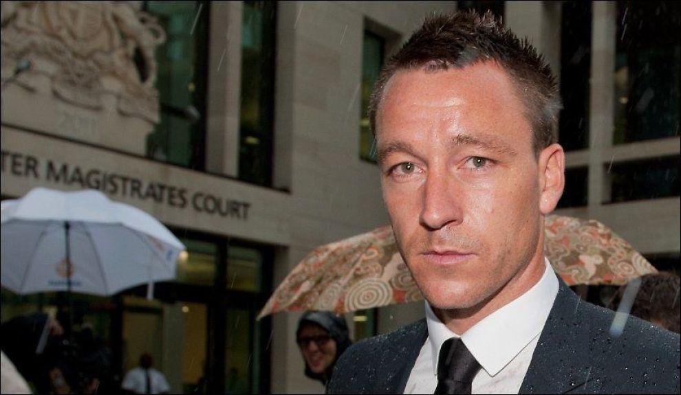 TILTALT: John Terry på vei til rettssakens andre dag tirsdag. Foto: Afp/ Will Oliver