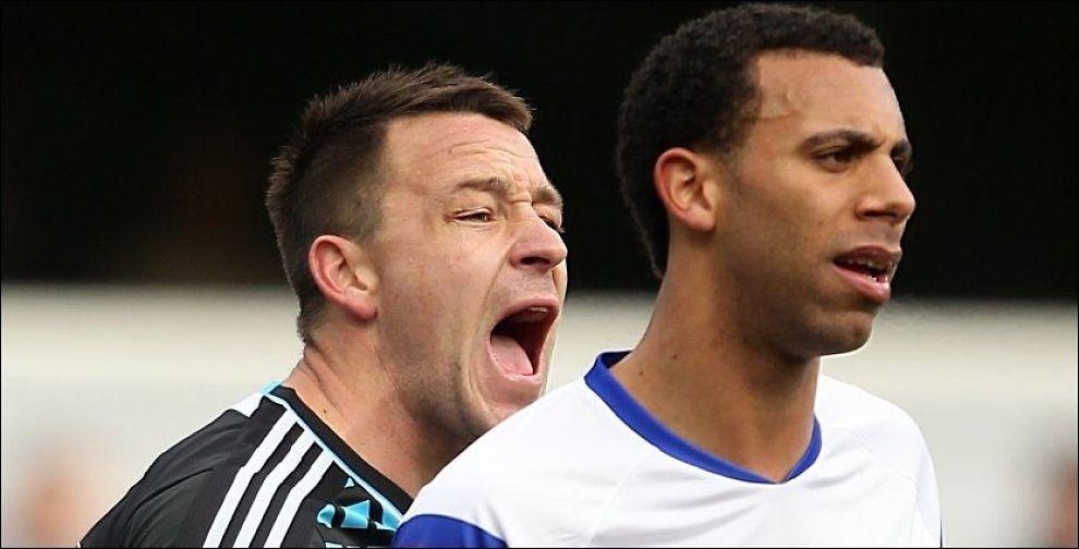 I KONFLIKT: Det var 23. oktober i fjor da QPR spilte mot Chelsea at John Terry og Anton Ferdinand havnet i munnhuggeri. Foto: PA Photos/ Stephen Pond