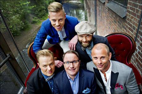 SKAL REDDE TV3: Per Sundnes og «Homsepatruljen» er et av TV-programmene som skal redde TV3 til høsten. Her er han sammen med Espen Hilton (f.v.), John André Hanøy, Alex Cornelius og Tore Vik. Foto: Eivind Griffith Brænde.