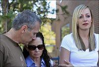 Etterlatte raser mot Colorado-skytteren - kaller ham en feiging