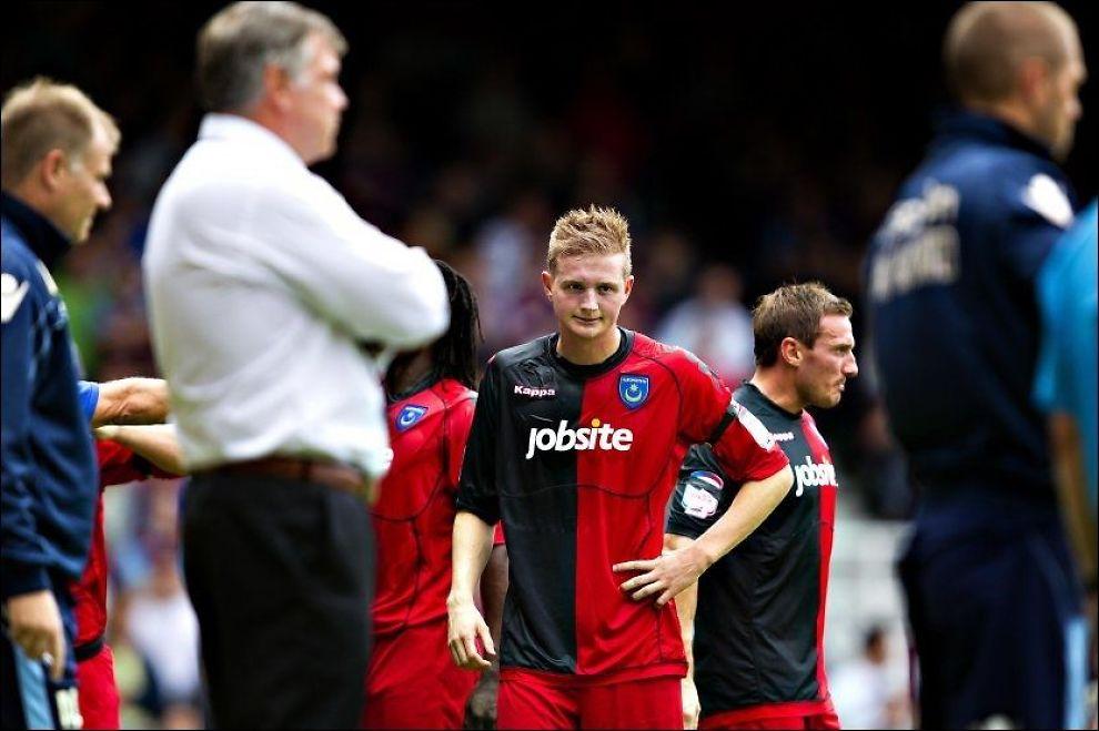 DEPPER: Erik Huseklepp fortviler etter 3-4-tap mot West Ham forrige sesong. Nå må han leve med pengetrøbbel i Portsmouth. Foto: Fredrik Solstad, VG