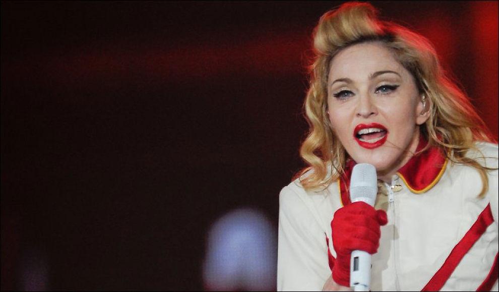 ERTET PÅ SEG LE PEN: Madonnas videomontasje falt ikke i god smak hos den franske politikeren. Her er artisten under en konsert i Birmingham 19. juli. Foto: Pa Photos