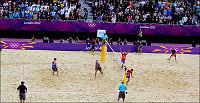 Her jubler sandvolley-gutta etter maktdemonstrasjon