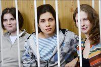 Russiske pønkejenter på tiltalebenken i Moskva