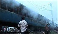 32 bekreftet døde i togbrann i India