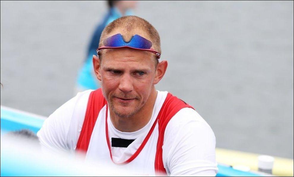 DEPPER: En trist Olaf Tufte depper etter at han var sjanseløs i semifinalen onsdag. Foto: Erik Johansen, NTB Scanpix