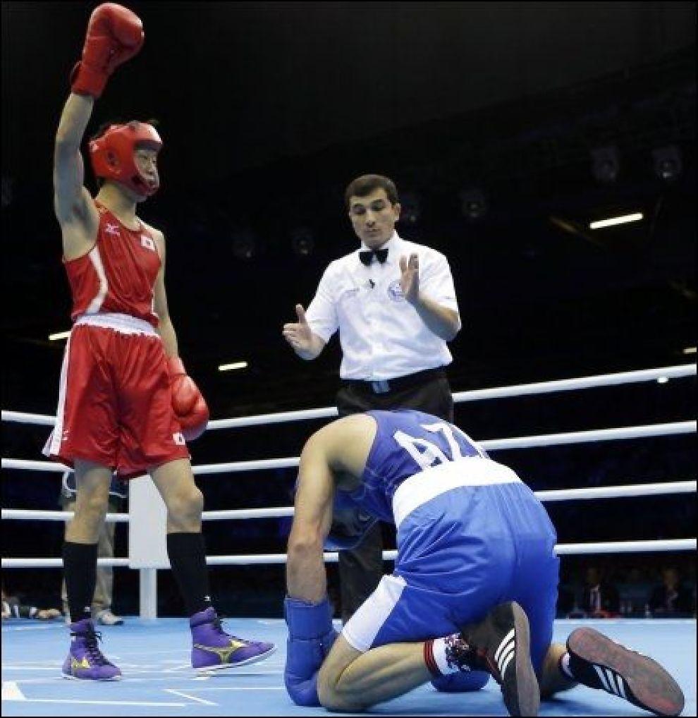 SENDT HJEM: Boksedommer Ishanguly Meretnyyazov er sendt hjem fra OL etter at han dømte seier til en bokser som hadde vært i gulvet seks ganger. Foto: AP Photo/Patrick Semansky