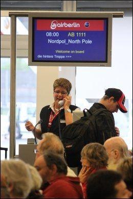 BOARDING: Vi har nå startet ombordstigning til flight 1111 til Nordpolen. Foto: FRIDTJOF MORTEN JONASSEN