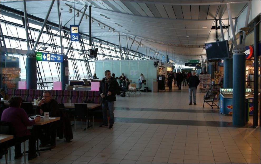 AVGANGSHALL: Trondheim lufthavn, Værnes. Personene på bildet har ikke noe med saken å gjøre. Foto: AVINOR