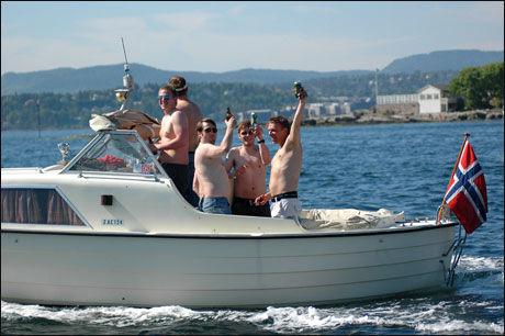KAN BLI FLAUT: Blir du stoppet i båt med høy promille er du ikke alene om å synes at det er flaut. Bildet er et illustrasjonsfoto, og har ikke noe med promilleføring å gjøre. Foto: Axel Nissen Lie / Seilas