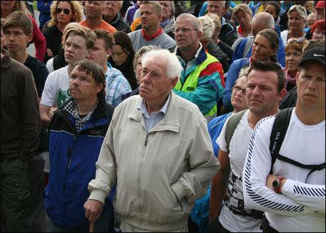 MØTTE OPP IGJEN: Geir Gamre (68) og omtrent 100 andre frivillige møtte igjen opp ved Østensjø skole i dag for å søke etter Sigrid Giskegjerde Schjetne. Foto: MARIA MIKKELSEN/VG