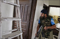 Syriske styrker bombarderer opprørere i Aleppo