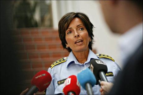 POLITIINSPEKTØREN: Hanne Kristin Rohde, politiinspektør under en pressekonferanse i forbindelse med forsvinningen til Sigrid Schjetne. Foto: Anette Karlsen / NTB scanpix