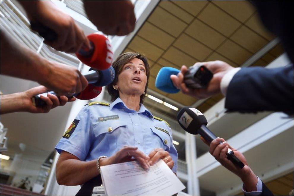 FÅ SPOR: Politiet, her ved Hanne Kristin Rohde i volds - og sedelighetsavsnittet, har fått få nye spor i letingen etter Sigrid Schjetne (16). Foto: Helge Mikalsen, VG