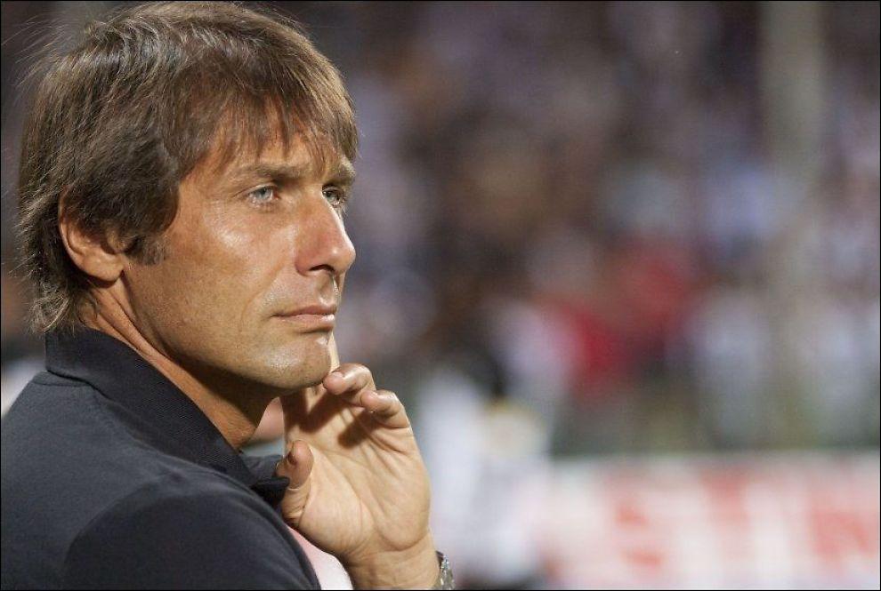 UTESTENGT: Antonio Conte er utestengt i ti måneder. Foto: Carlo Hermann, AFP