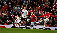 Robin van Persie klar for Manchester United