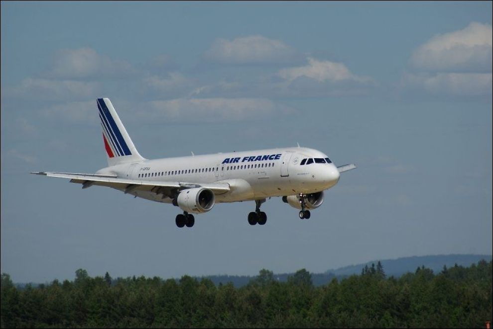 AIR FRANCE: Syriske myndigheter skapte problemer for drivstofftanken til et Air France fly, da de nektet å ta i mot kredittkortbetaling. Bildet viser en Air France Airbus A320. Foto: JAN OVIND, NTB SCANPIX