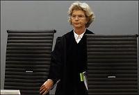 Breivik ville beklage - avbrutt av dommeren