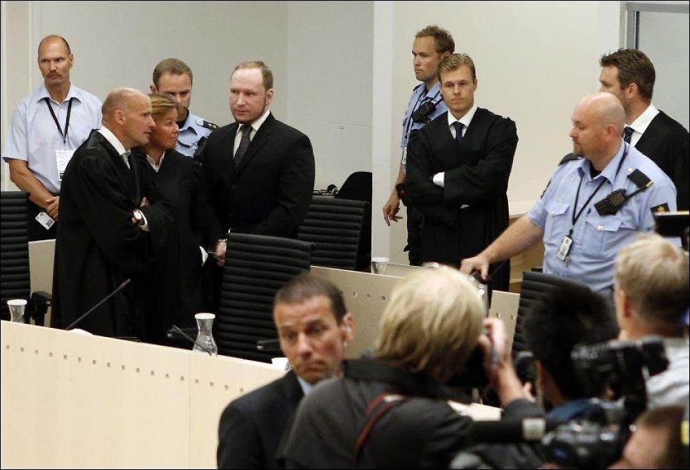 FIKK DOMMEN: Anders Behring Breivik var fredag tilbake i Oslo tingrett for å få lest opp dommen i terrorrettssaken. Foto: CORNELIUS POPPE, NTB SCANPIX
