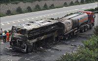 36 drept i flammeinferno da buss krasjet med trailer