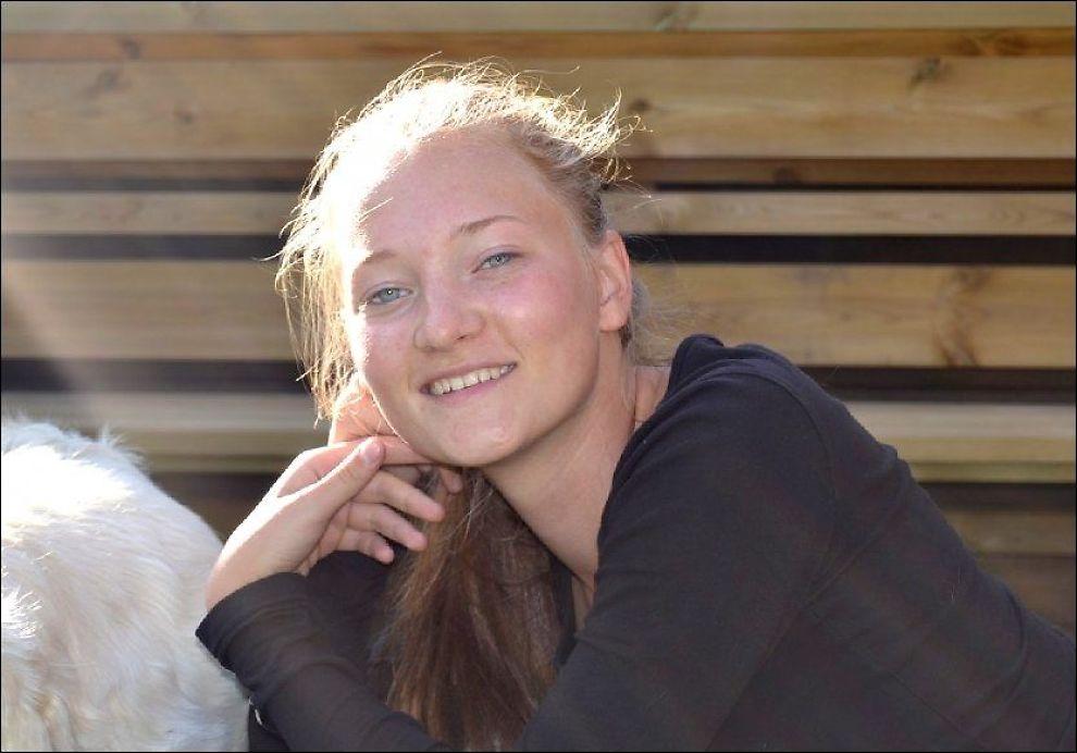 MYSTERIET: Politiet har ikke rettet mistanke mot noen etter at Sigrid Giskegjerde Schjetne (16) forsvant for tre uker siden, men nå sier politiet at flere personer peker seg ut som mer enn vitner. Foto: PRIVAT