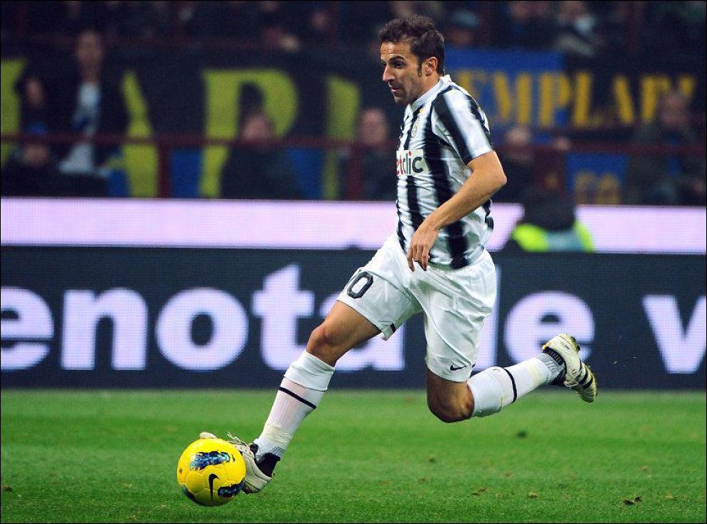 KLAR FOR SYDNEY: Alessandro del Piero tar fatt på en livet uten Juventus som arbeidsgiver. Her er han i aksjon mot Inter i oktober 2011. Foto: AFP