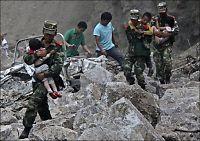 Jordskjelv kostet minst 80 livet i Kina