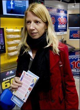 STRAMMER INN: Statssekretær Mina Gerhardsen innrømmer at regjeringen må bedre kontrollen med grasrotmidlene. Foto: Roger Neumann