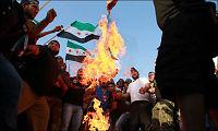 Ambassade brenner dokumenter i frykt for angrep