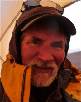 I SORG: Tore Sunde-Rasmussen er i sorg etter tapet av klatrekolleger i natt. Dette bildet er fra en tidligere ekspedisjon i Himalaya. FOTO: PRIVAT