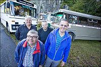Se gjengen som elsker gamle busser