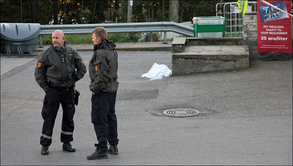 FLERE PÅGREPET: Vestfold politidistrikt har tirsdag siktet ytterligere to personer for drapet på Holms motell i Larvik. Foto: JARLE BRENNA / VG
