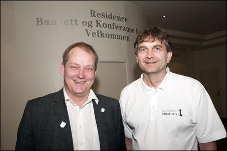STOLTE: President i sjakkforbundet Jøran Aulin-Jansson og Kjell Madland var fredag på Hotel Residence i Sandnes for å presentere mer av planene rundt turneringen. Foto: Norway Chess