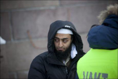 DEMONSTRERTE: Her demonstrerer Mohyeldeen Mohammad foran Stortinget i januar i år. Foto: TERJE BRINGEDAL
