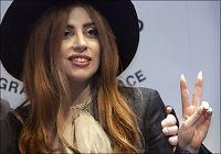 Naken Lady Gaga overrasket fans i garasjen