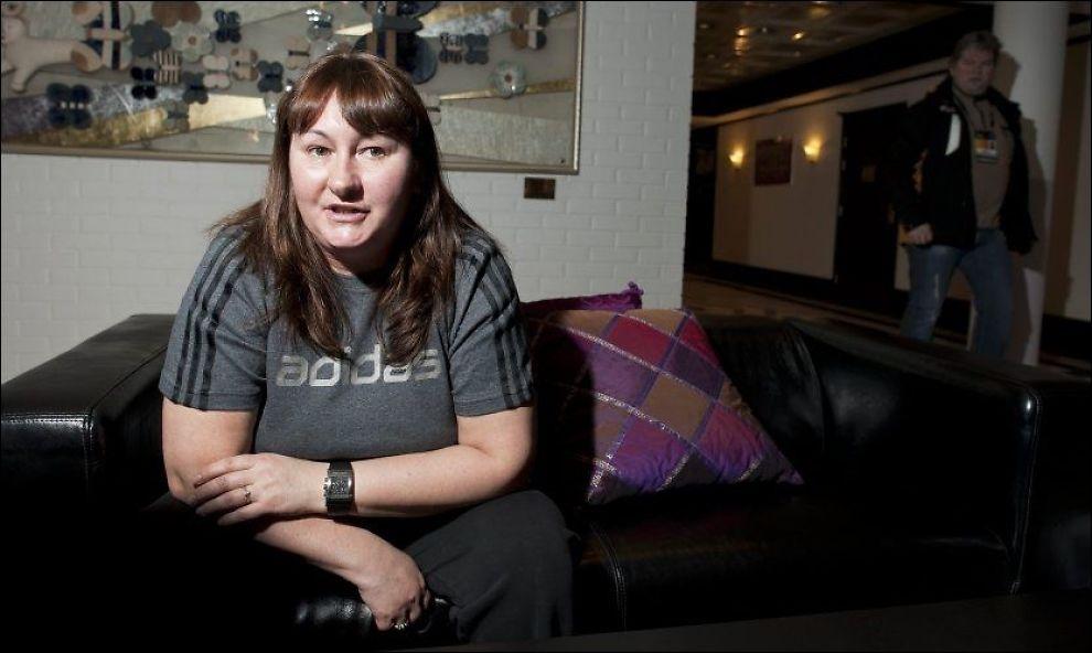 MEKTIG: Jelena Välbe blir her intervjuet av VG på Fornebu for halvannet år siden. Nå blir hun russisk landslagssjef. Foto: Espen Braata/VG