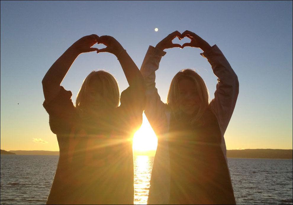 GOD GJERNING: «Vi elsker deg mamma!» Et bilde sier mer enn tusen ord. FOTO: PRIVAT