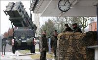 Advarer Syria: Grensen går ved angrep på Tyrkia
